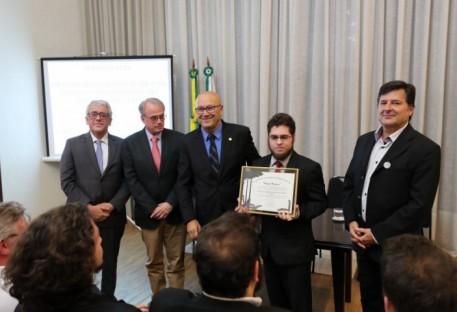 Assembleia celebra importância da Casa do Estudante Luterano para a educação do Paraná
