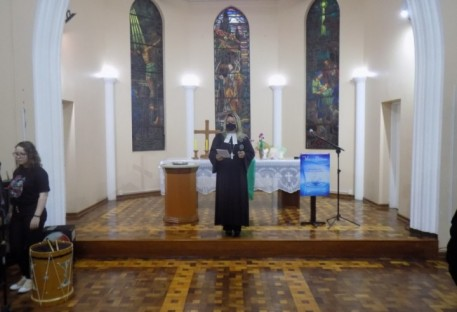 Culto de Despedida e Troca de Cruzes