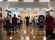 Em Itapoá, momento de bênção e envio...