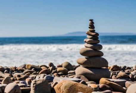 Viver o Batismo: dons a serviço como pedras vivas 1Pe 2.1-7