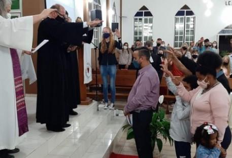 Willian Kaizer de Oliveira é ordenado ao ministério pastoral