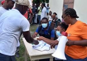Soterrados sob escombros: sobreviventes do terremoto do Haiti