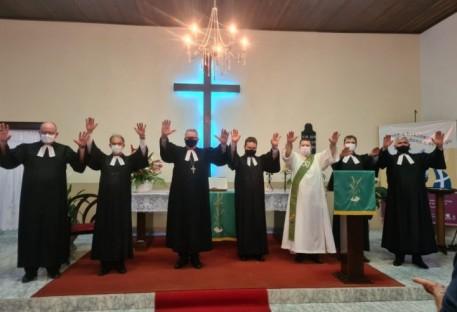 Brusque recebe Carlos Rominik Stur para atuar em Unidos em Cristo